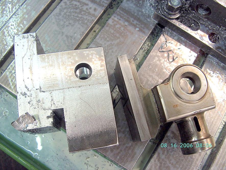 Kreuzkopf mit Führungen an Restaurierungsprojekt für Gasmotor Deutz E2 Bj:1885.  Nachgefertigt anhand von Muster und Fotos.